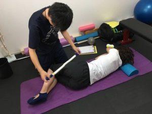 股関節の痛みストレッチ